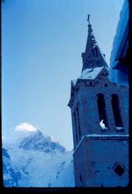 1053 CZ le clocher